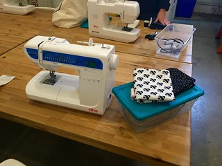 Sewing machine and Fabric to make a tote bag at my sewing class