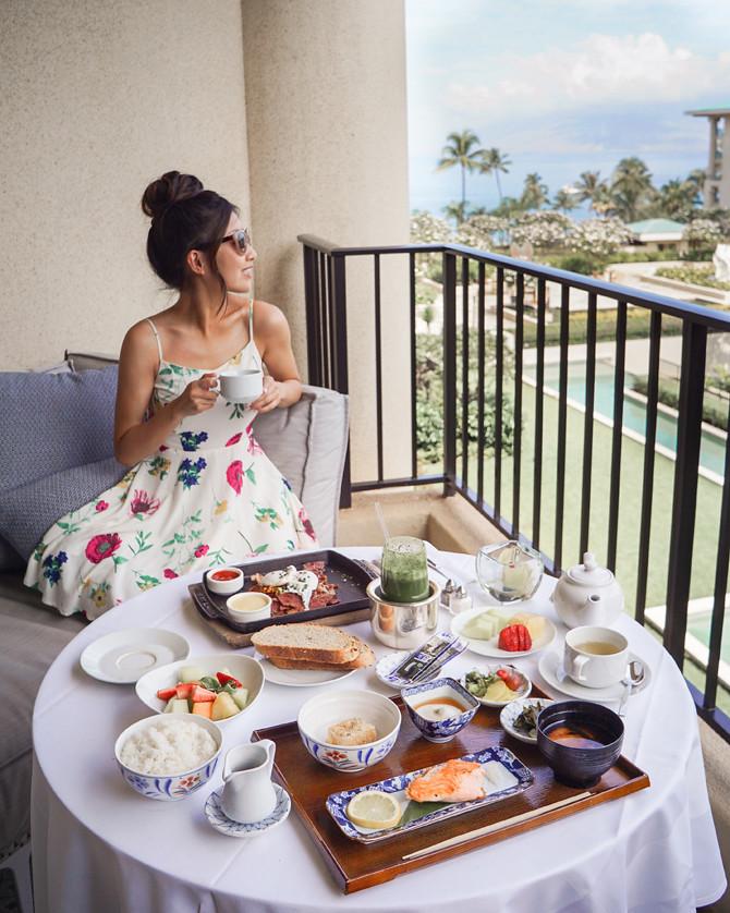four seasons maui lanai balcony breakfast room service