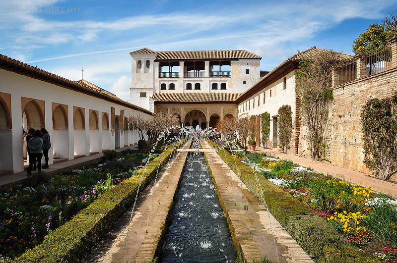Granada | Alhambra - Patio de la Acequia