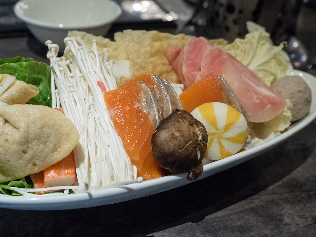 Mix salmon and chicken combo Shabu-Shabu set.