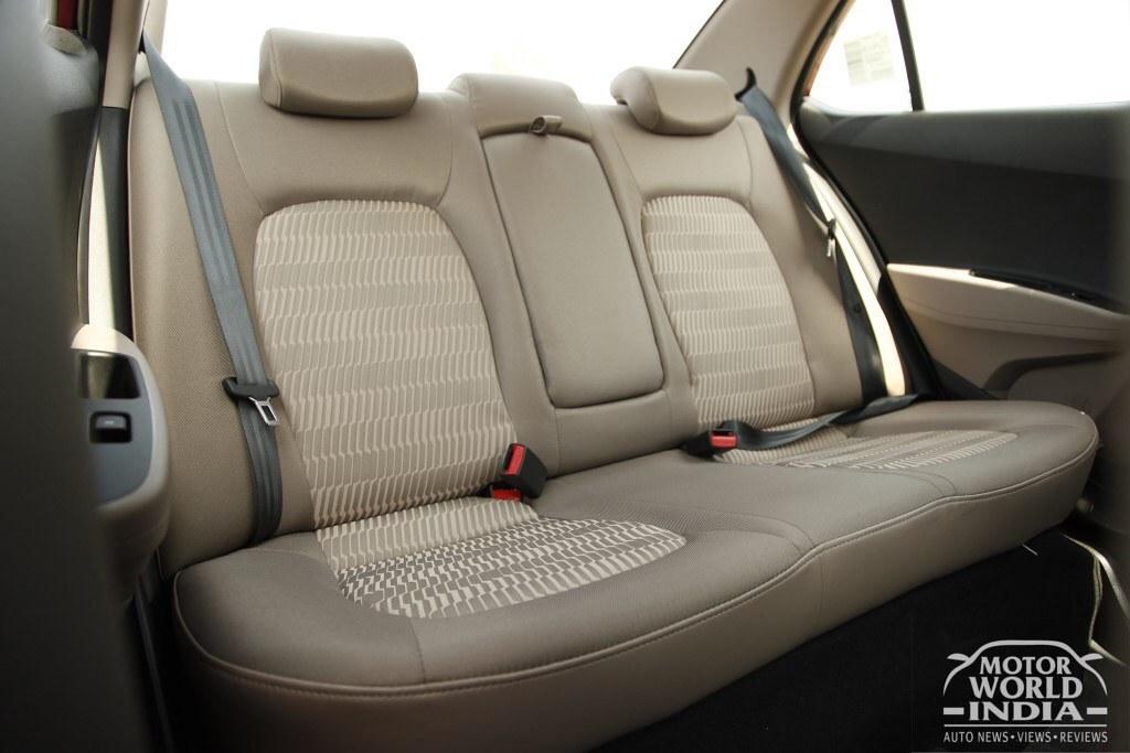 2017-Hyundai-Xcent-Facelift-Interior (9)