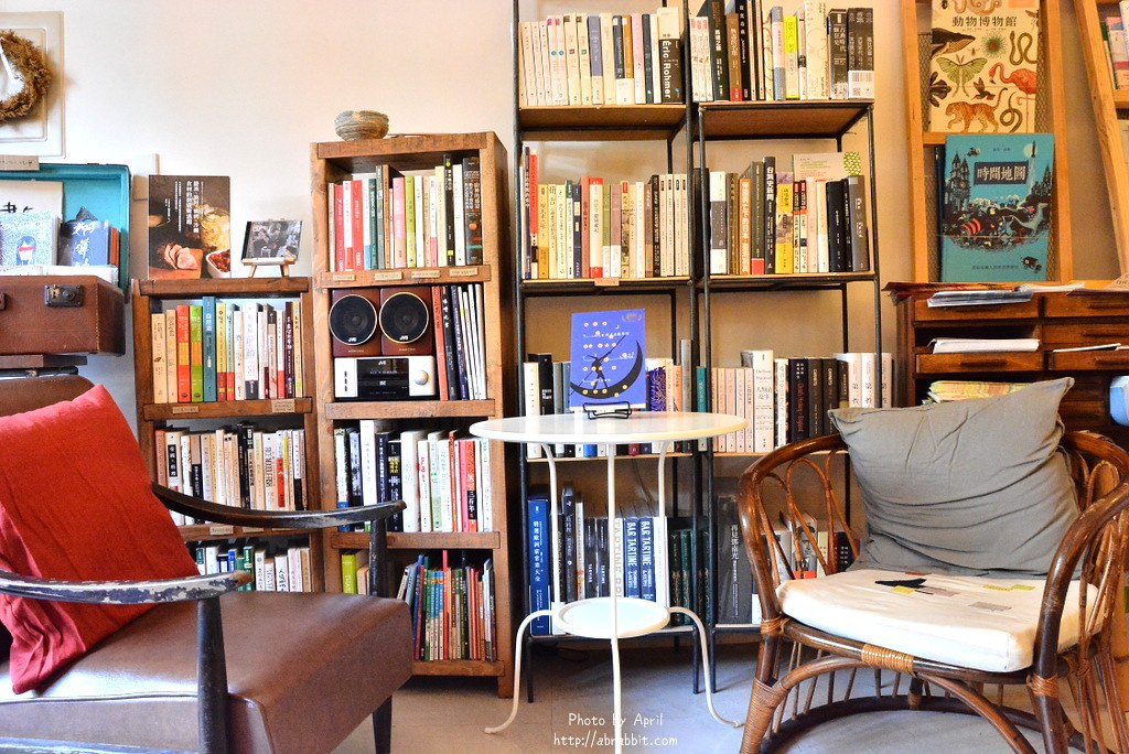 34517396101 54b9b8932c b - 台中書店|一本書店--台中獨立書店,來本書和咖啡,文青一下!@復興路 東區