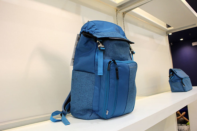 Zero Halliburton Duane Bacon Blogger Luggage Travel Blue Bag