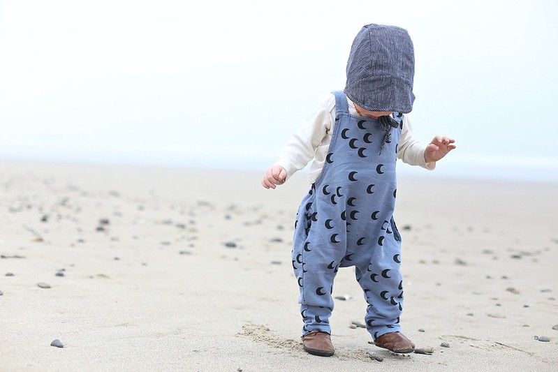 walking on sand for the first time feels weird!