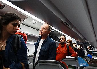 LATAM pasajeros embarcando A321 (RD)