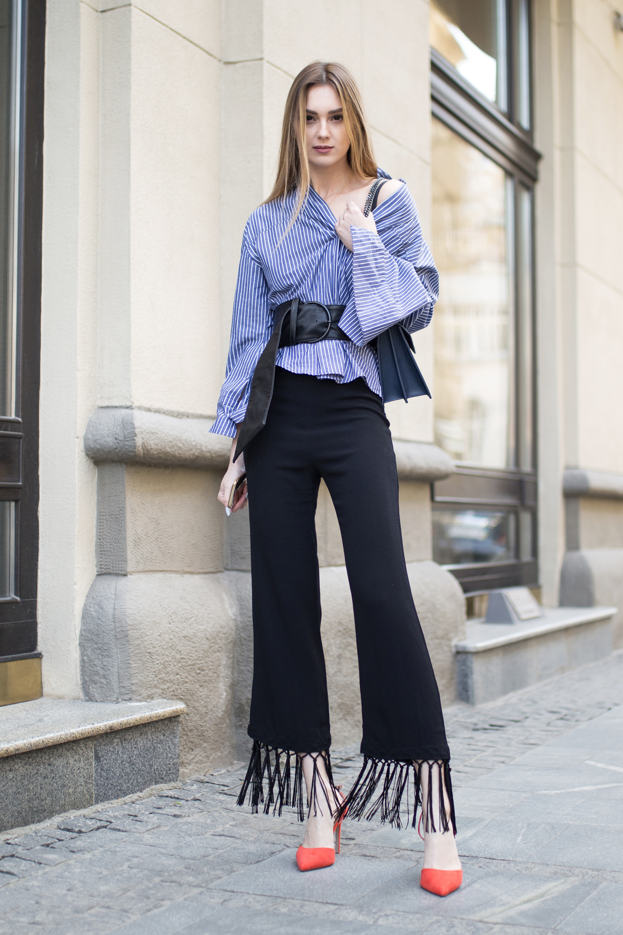 outfit-street-style-wide-belt-oversized-shirt