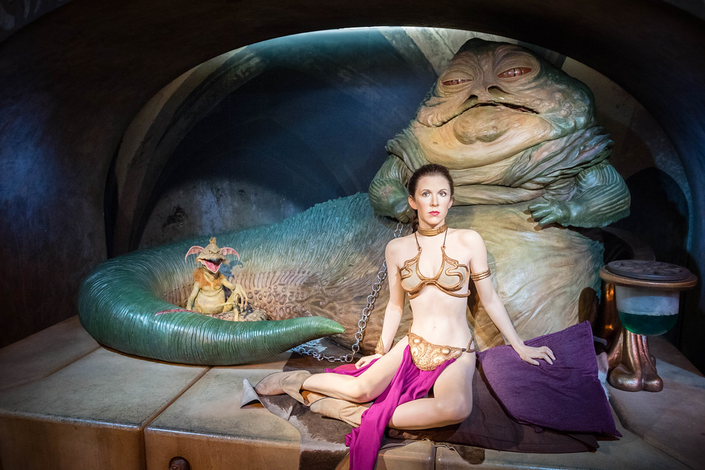 Carrie Fisher as Princess Leia Organa with Jabba the Hutt ... Jabba The Hutt And Leia