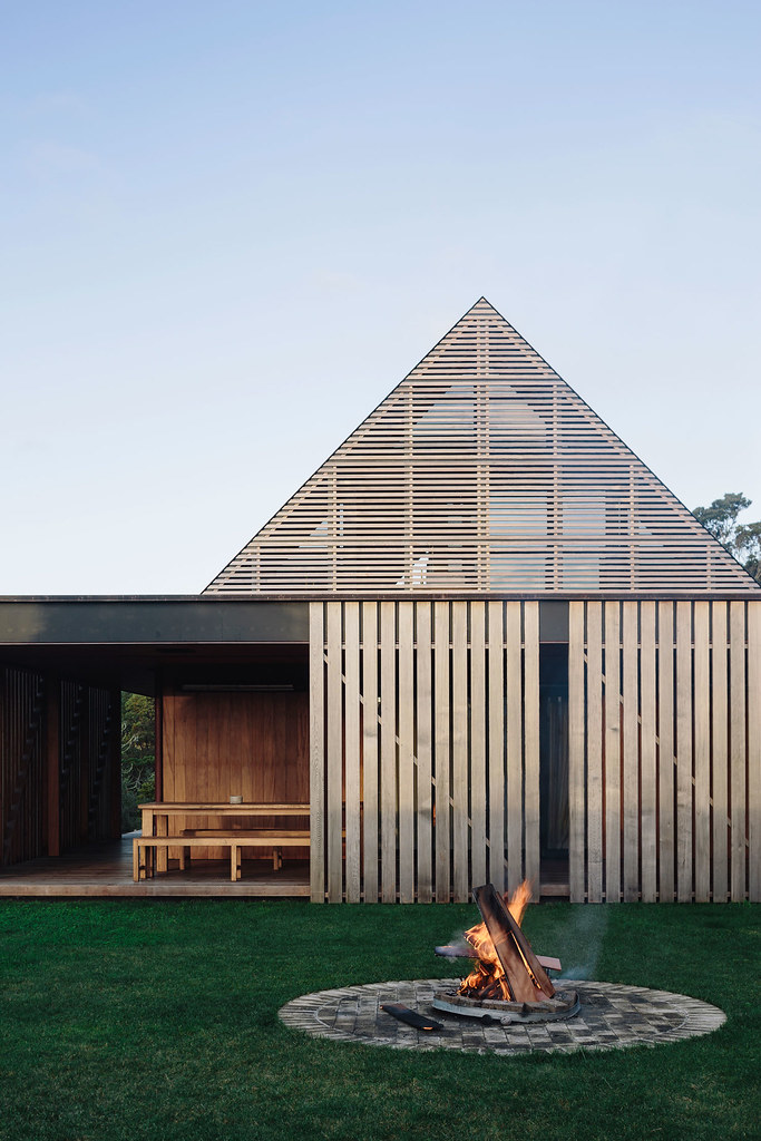 Modern Forest House Auckland New Zealand By Fearon Hay Architects