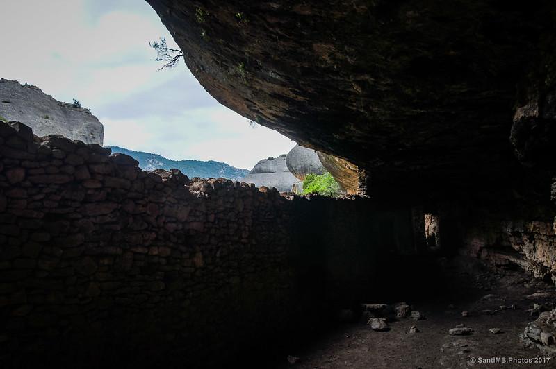 Dentro de la balma de Fra Guerau