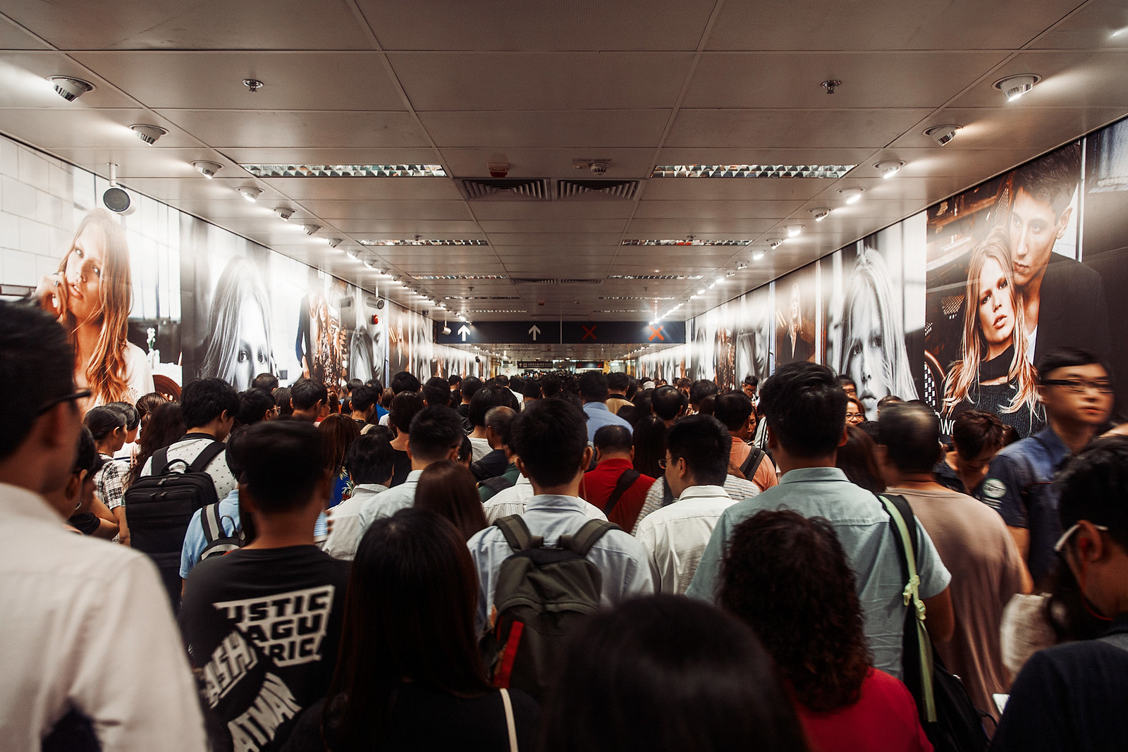 hong kong commuters