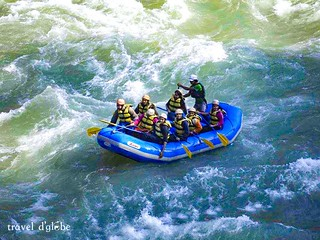 Experience the thrill of rafting in the best rapids of Ganga