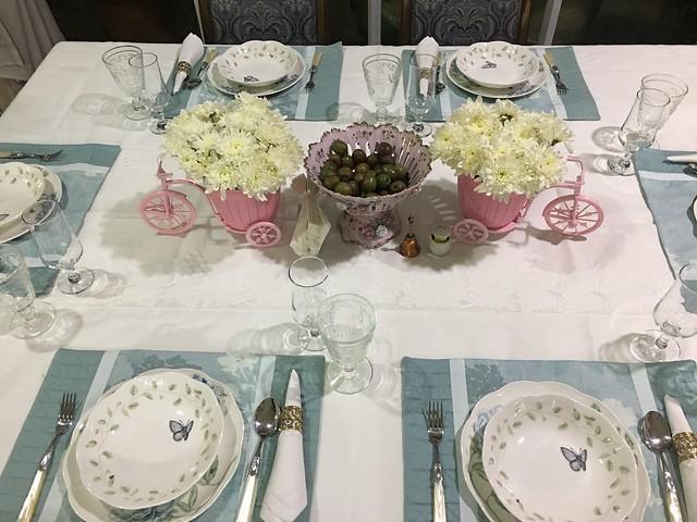 OMB dinner 056 table setting