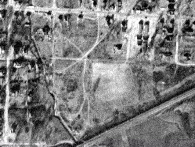 Aerial of Crump Park, 1943.