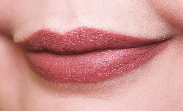 rodial suede lips big apple