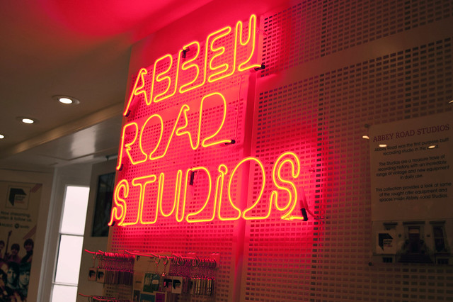 AbbeyRoadShop03