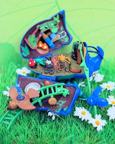 "Mattel ""A Bug's Life"" Dim Anthill Battleground Playset"