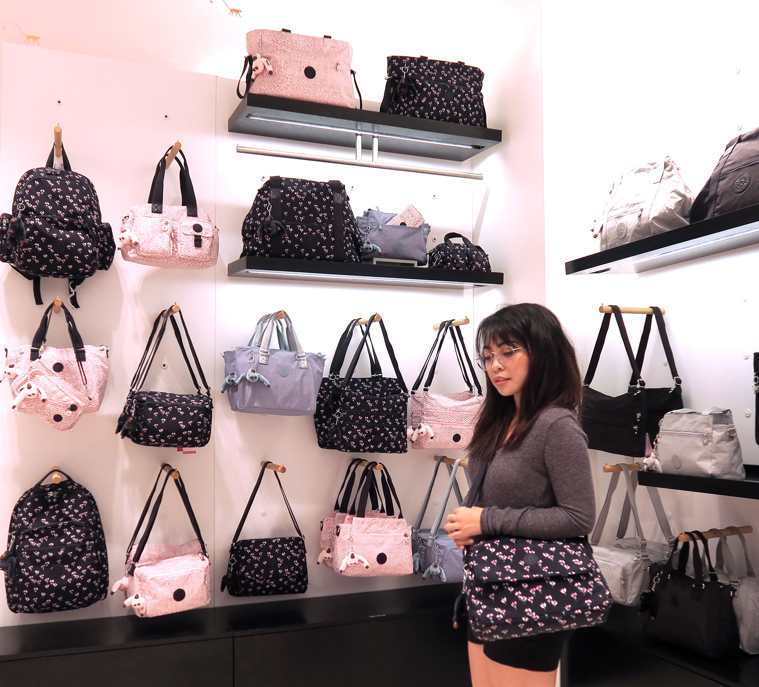 10 Kipling Philippines 30 years - Uptown Mall - Dream Garden Collection - Gen-zel.com(c)