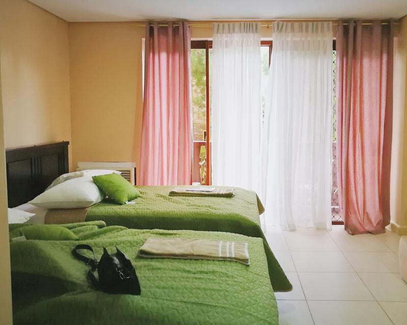 crosswinds resort suites room | www.wearejuanderers.com