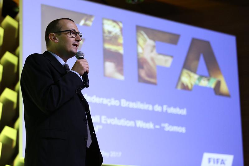 Somos Futebol: Transferências internacionais
