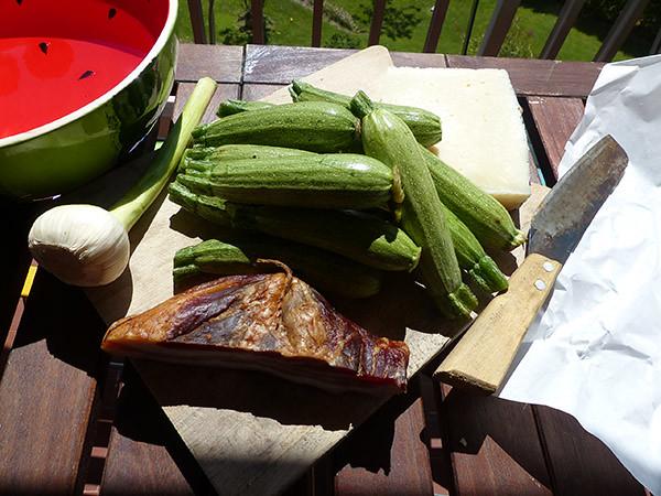 courgettes, ail frais, pancetta et pecorino