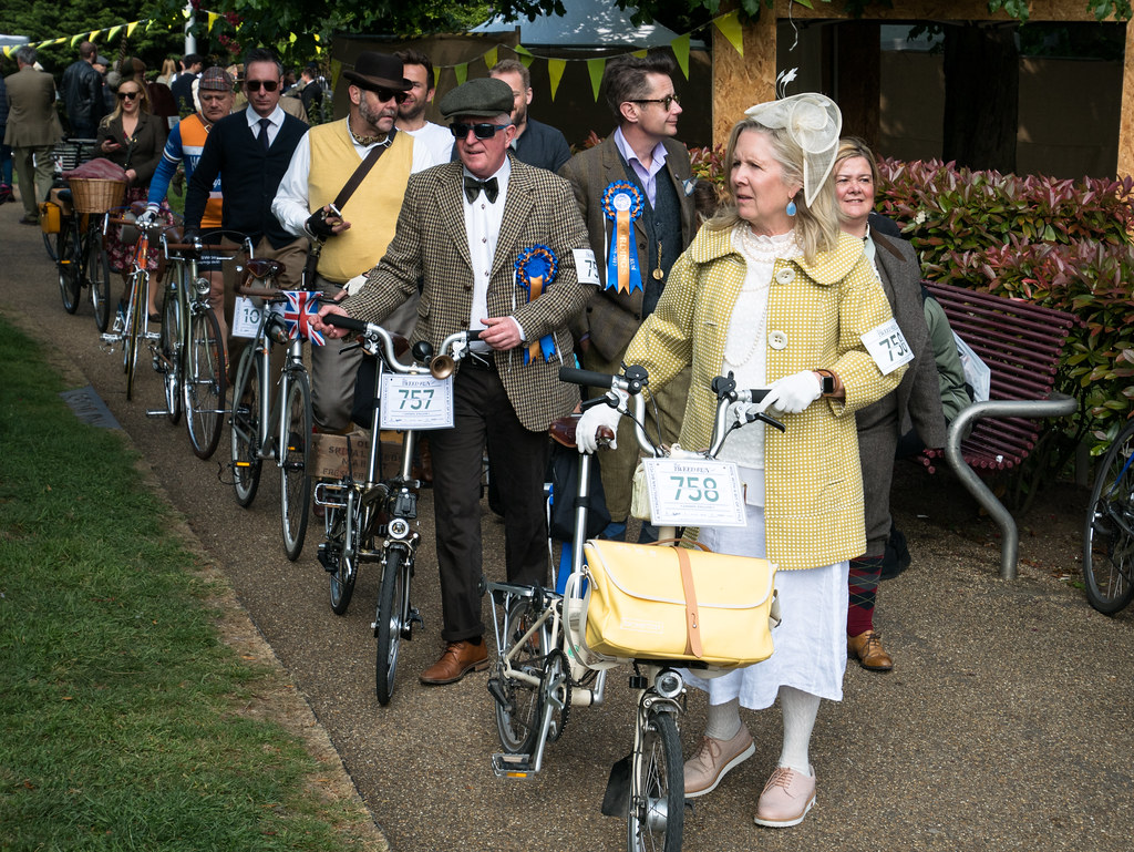 tweed-run-2017-ian-james-velocitygirl-brompton