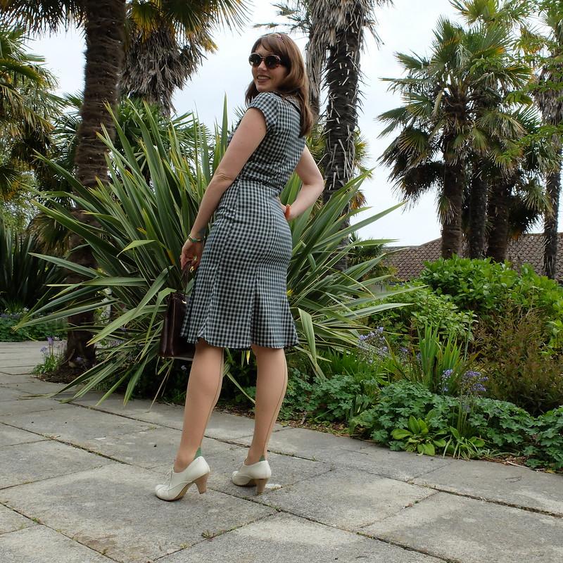 Green Collectif dress @porcelinasworld