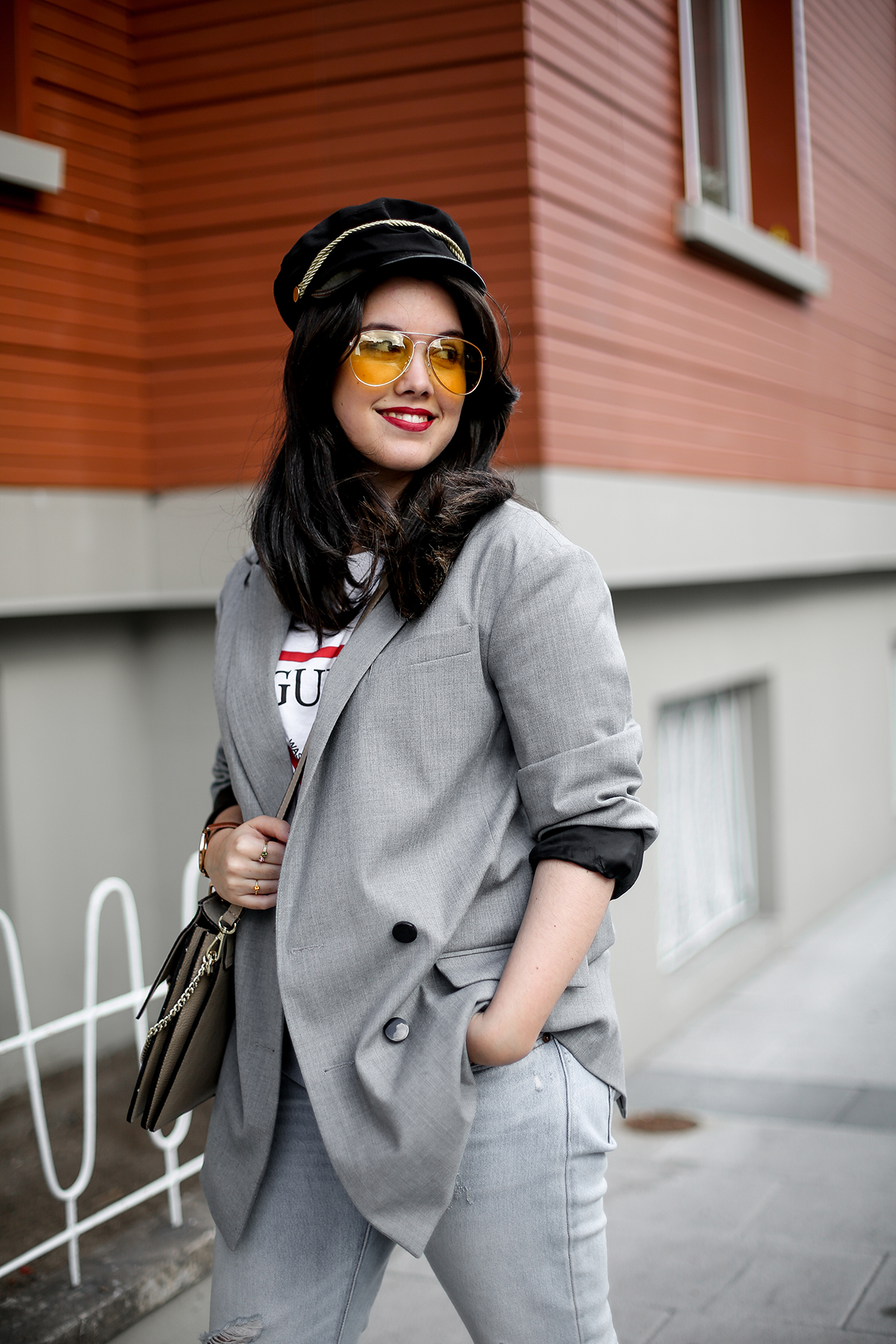 look-blazer-gris-levis-501-golden-goose-sneakers-myblueberrynightsblog5
