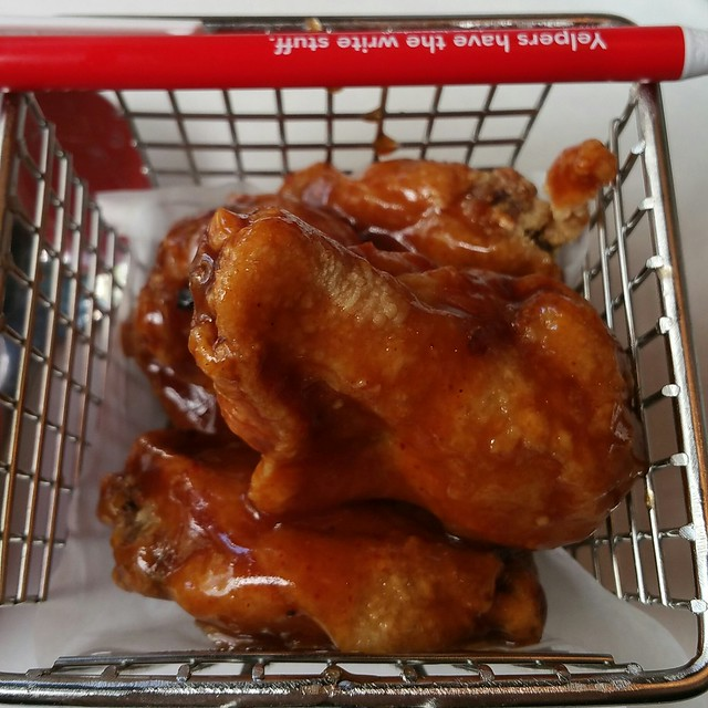 2017-May-10 The Holy Crab - fried chicken wings (comes with BBQ sauce)