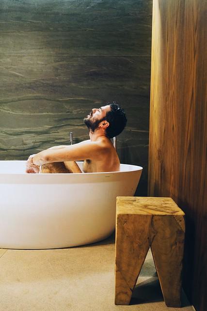 _kenzo_ilcarritzi_bath_tube_hotel_