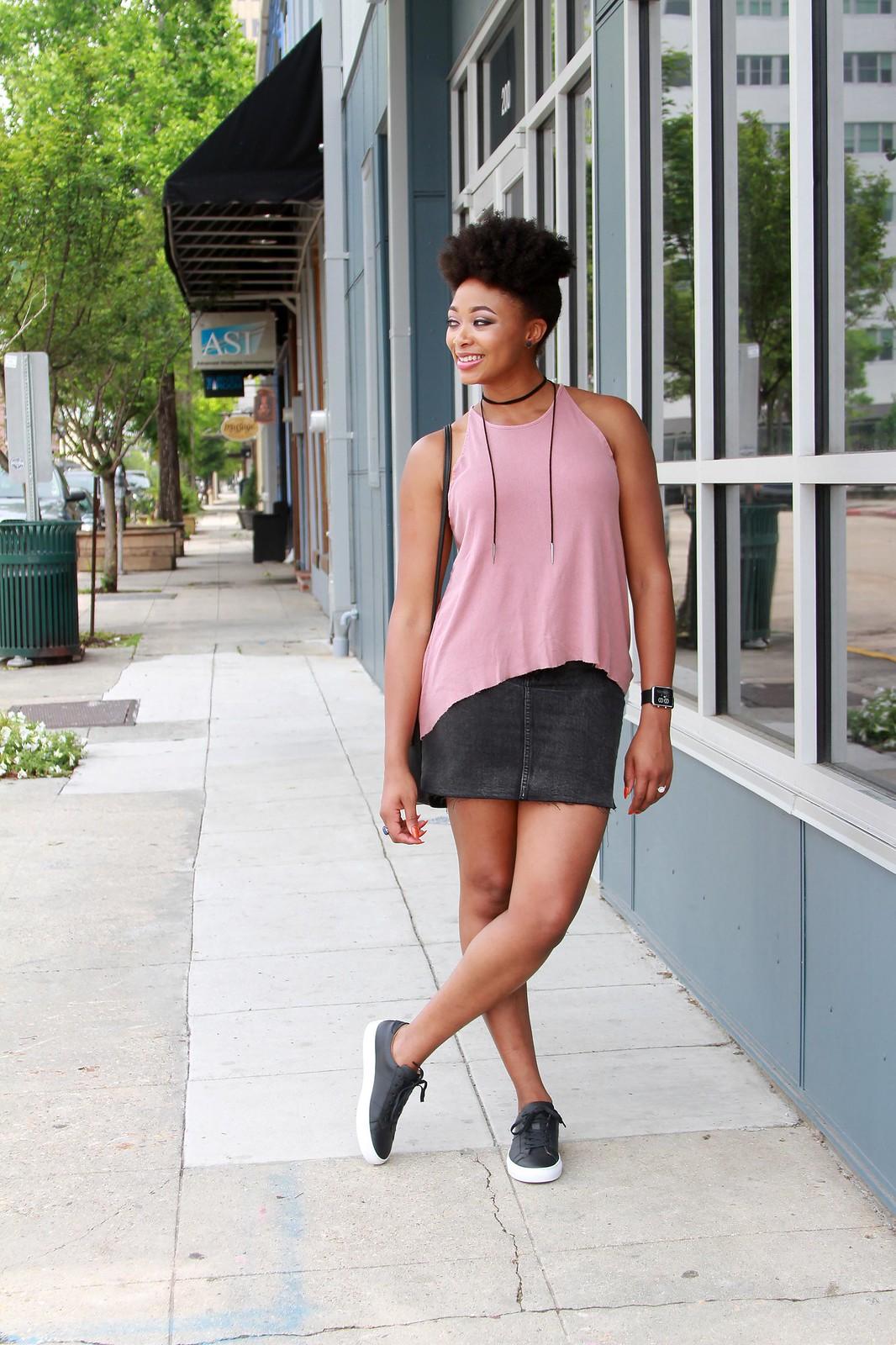 how to dress up a black denim skirt