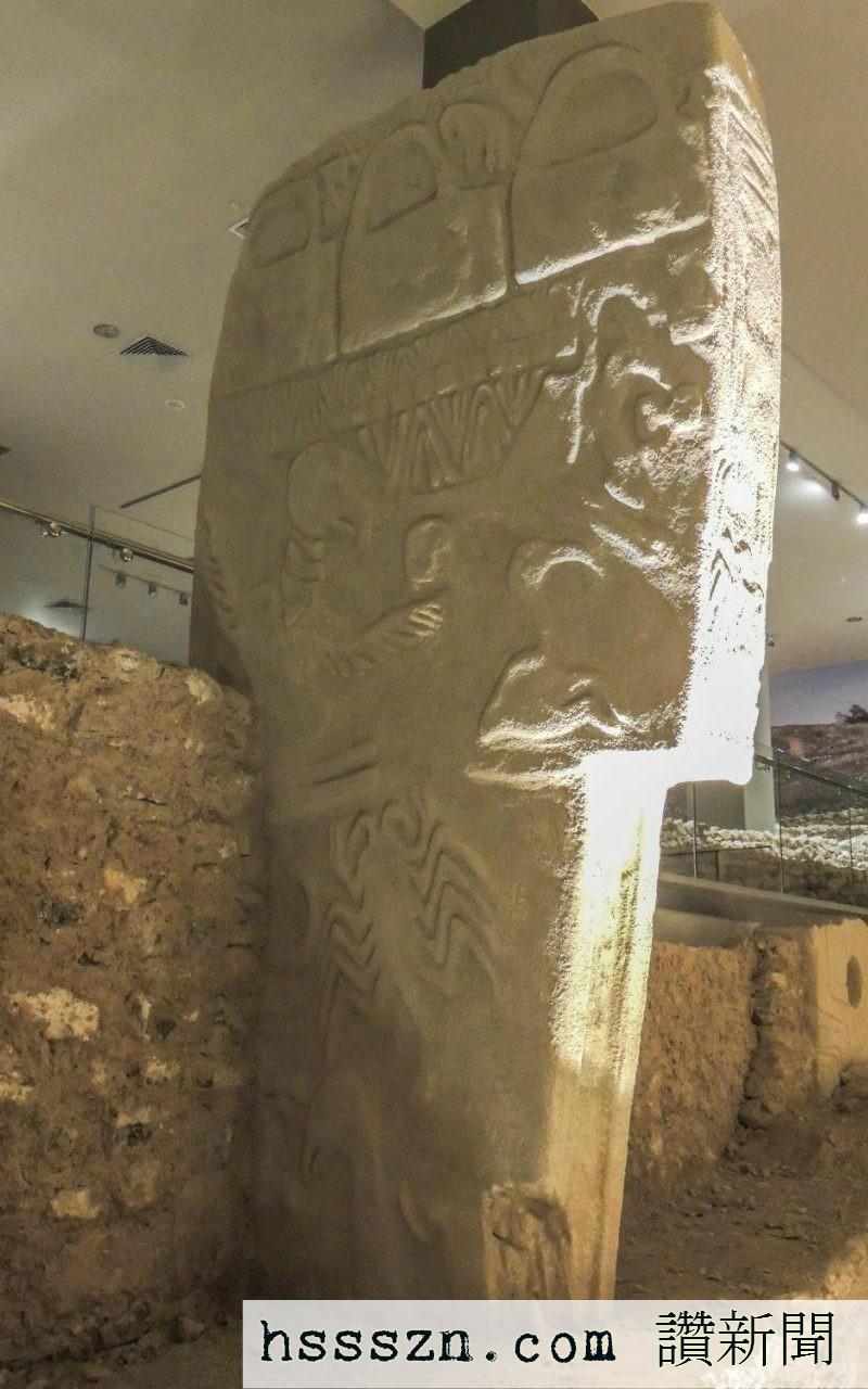 Replica-of-pillar-43-the-Vulture-Stone-at-Gobekli-Tepe-Sanliurfa-Museum-Turkey-credit-Alistair-Coombs-xlarge_trans_NvBQzQNjv4BqImq0