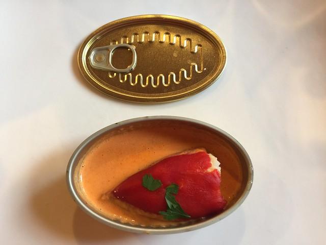 Pimiento del piquillo en lata de conservas del restaurante La Meancera de El Gasco (Las Hurdes)