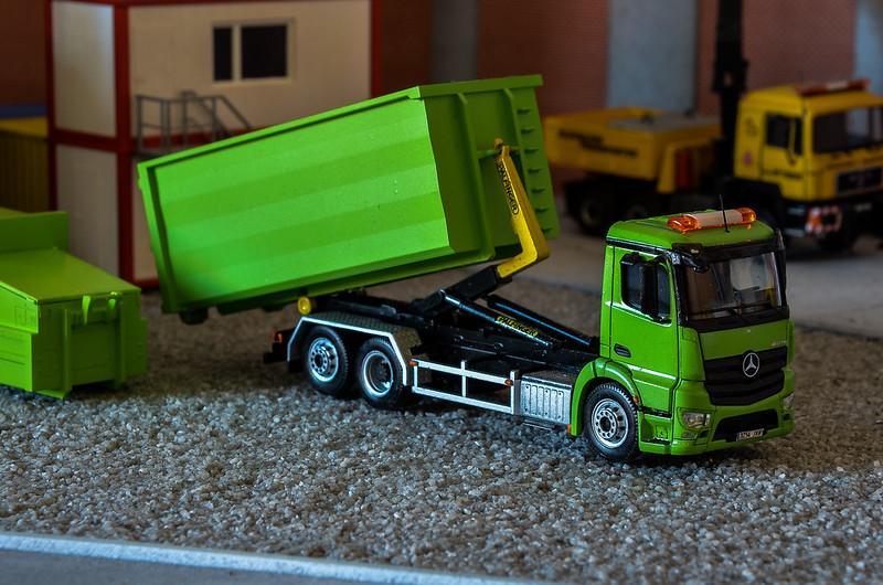 Camiones, transportes especiales y grúas de Darthrraul 34388964471_707f6c83d7_c