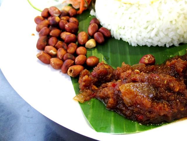 MyLAKSA nasi lemak special, sambal