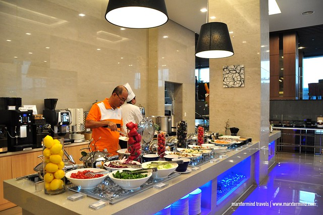 Buffet Breakfast Latif Restaurant at Hotel RegentMarine The Blue