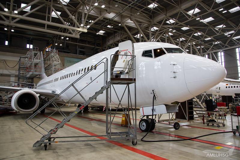 TUIfly - B738 - D-AHFV (2)