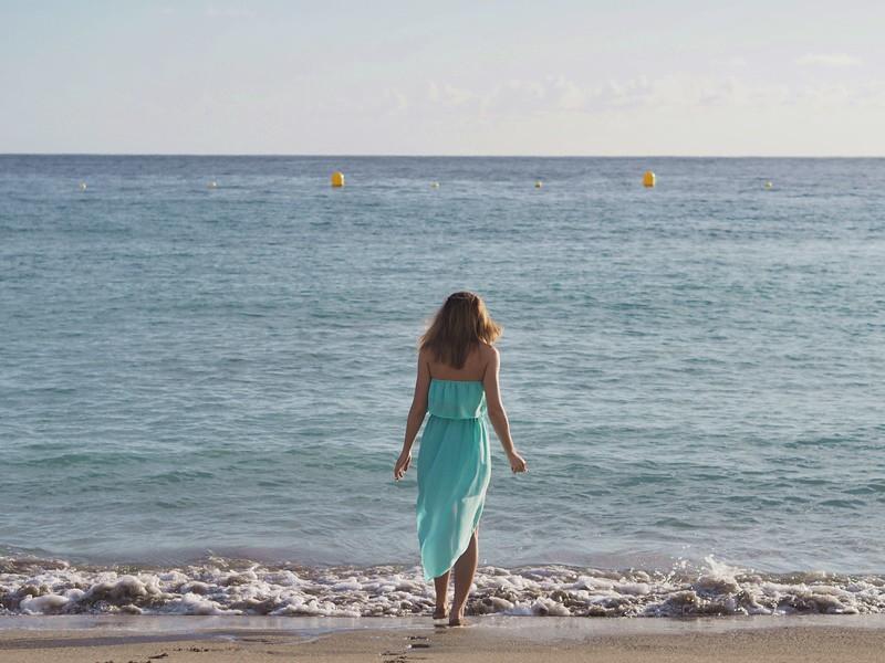 beach-sunset-happy
