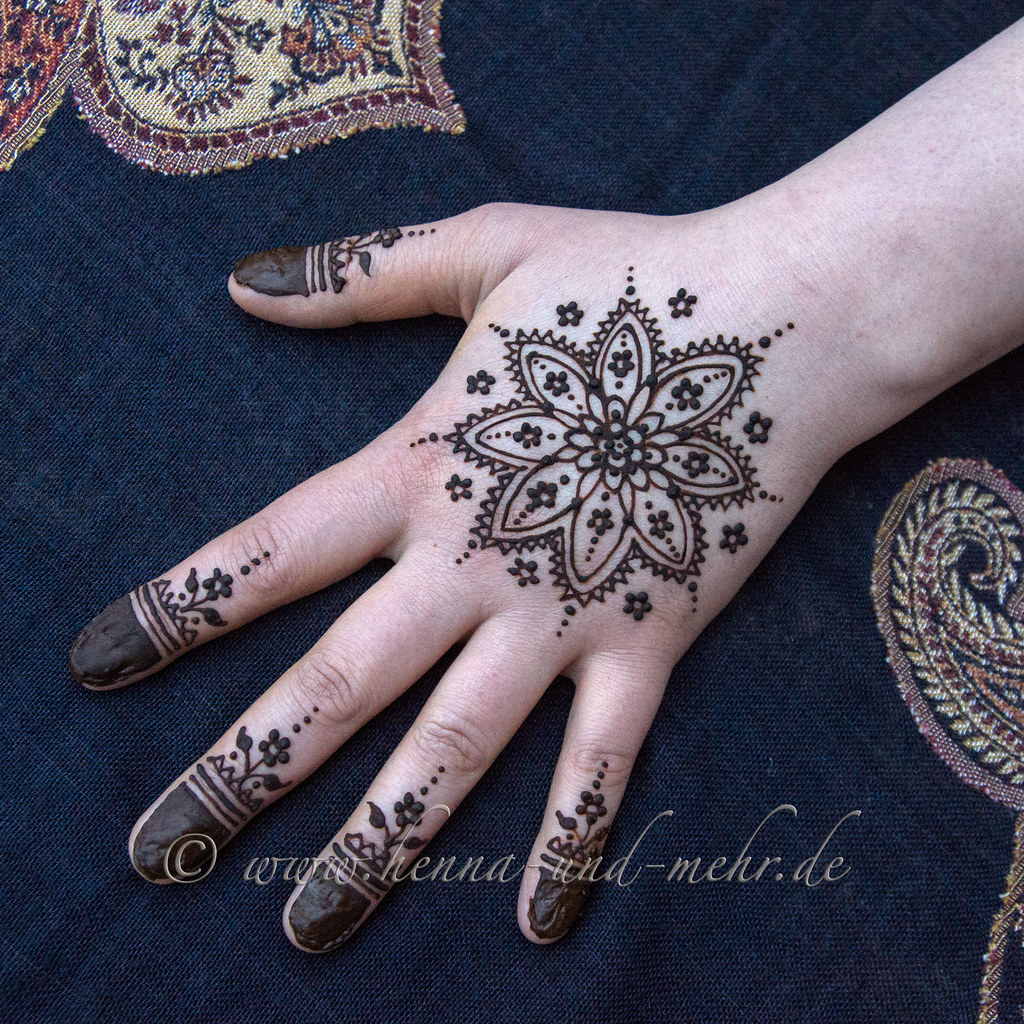 Mandala Painted With Henna On A Hand Henna Or Mehendi Is N Flickr