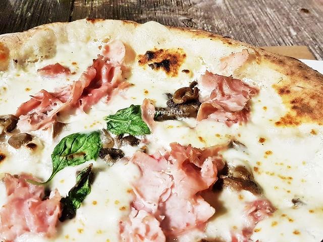Pizza Bianca Prosciutto Cotto E Funghi