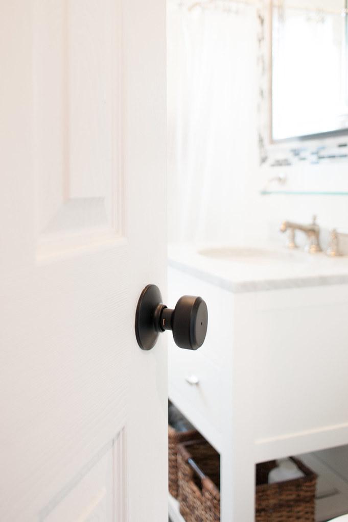 schlage matte black doorknob