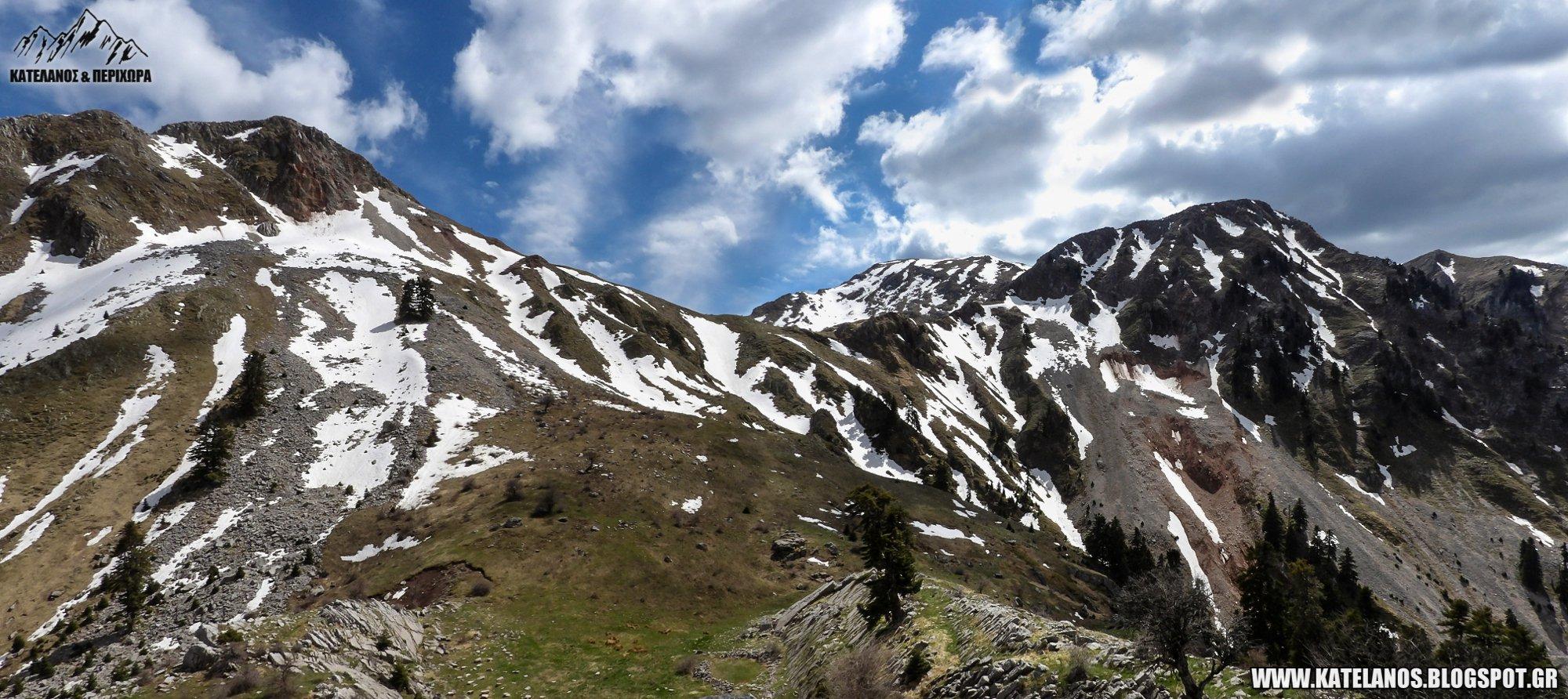 κρημνιτσα και κατελανος παναιτωλικου ορους με χιονουρες ανοιξη βουνα κορυφες θεση βουρλο