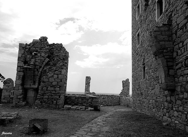 Ruins of Likourgos Logotetis'castle