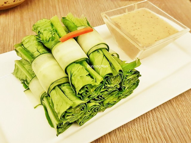 Lettuce Roll With Home Made Sesame Sauce