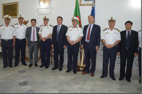 الجزائر : صلاحيات نائب وزير الدفاع الوطني - صفحة 14 34017160663_d230e51938_o