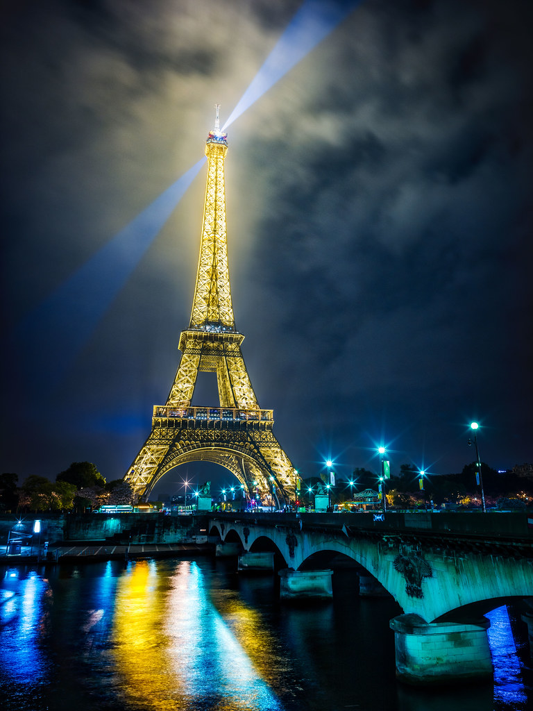 eiffel tower night a beautiful final night in paris