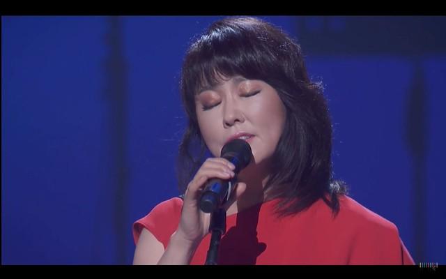 Youn-sun Na singing Besame Mucho