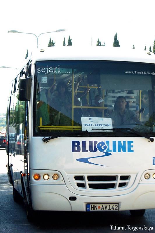 Автобус, следующий по маршруту Тиват-Котор