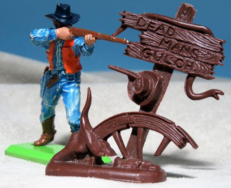 Toy soldiers, cowboys, indians, space men etc 34610348896_88b5257359_c