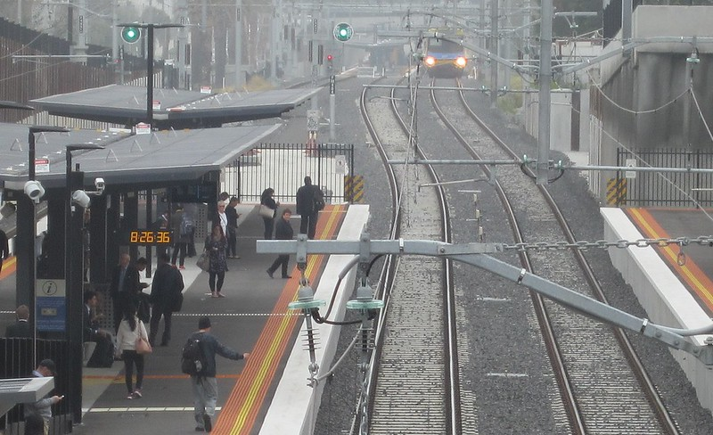 Train arriving at Bentleigh