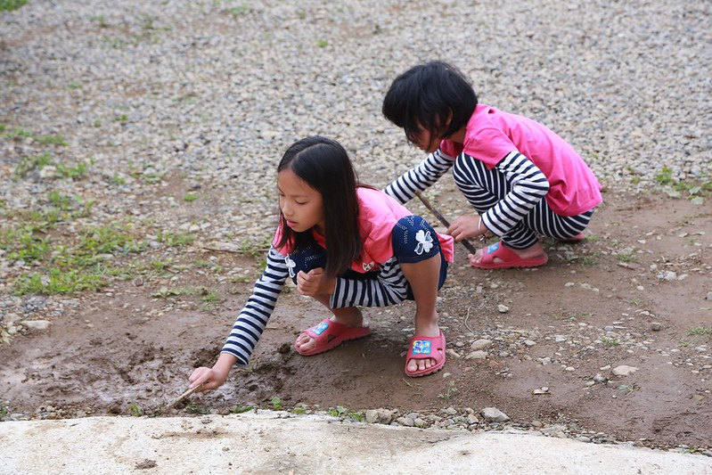 玩泥巴也能找到自己的樂趣